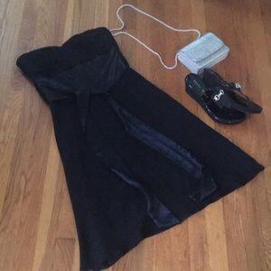 White House black market size 6 strapless dress